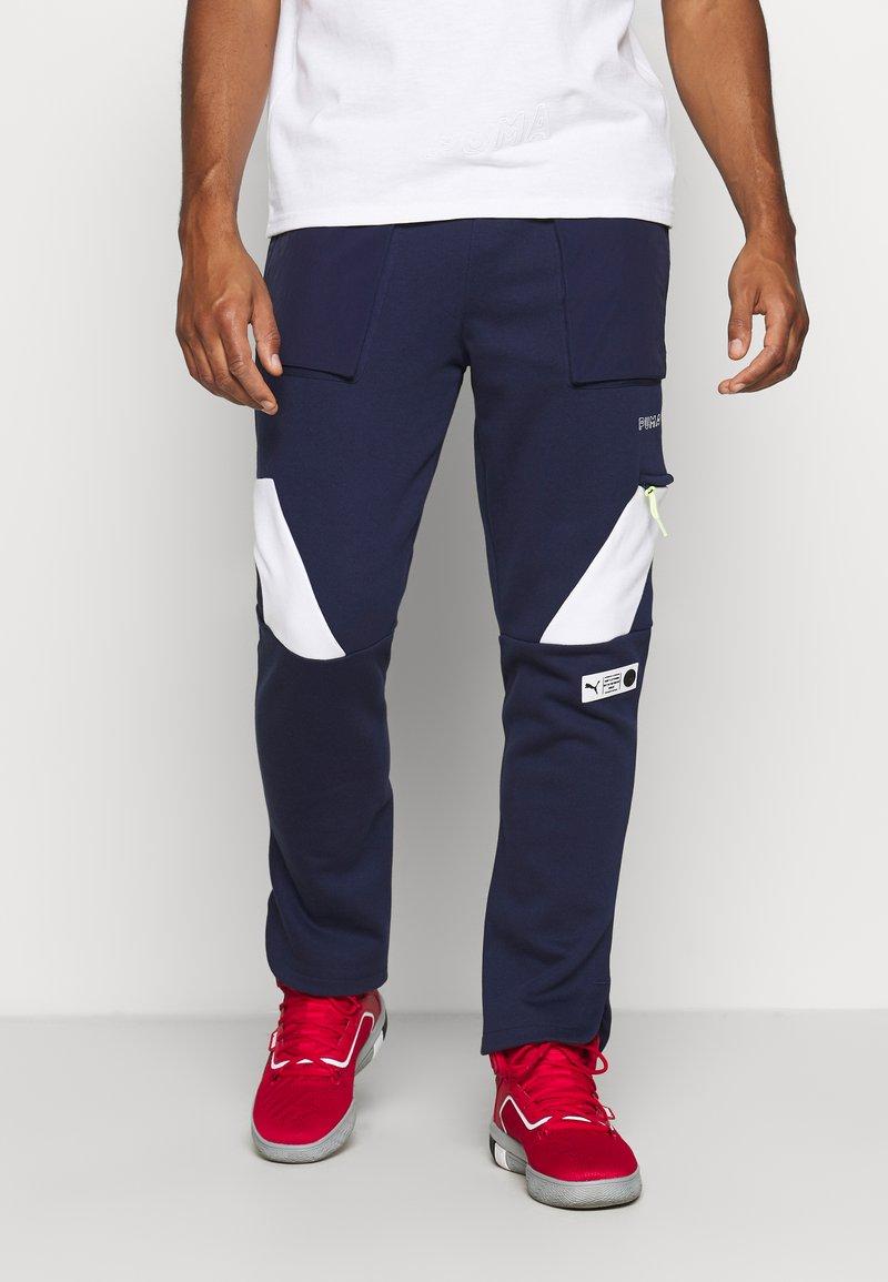 Puma - PARQUET - Pantalon de survêtement - peacoat