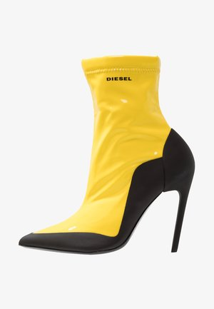 SLANTY D-SLANTY ABH - High heeled ankle boots - freesia yellow/ black