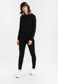 New Look - CREW NECK - Jumpsuit - black - 1