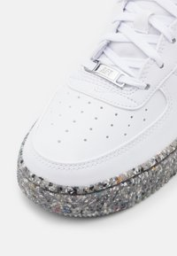 Nike Sportswear - AIR FORCE 1 KSA UNISEX - Baskets basses - white/metallic silver - 5