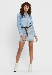 ONLY - Skjorte - light blue denim