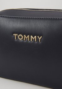 Tommy Hilfiger - ICONIC CAMERA BAG - Across body bag - blue - 2