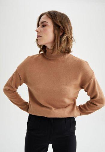 REGULAR FIT - Stickad tröja - beige