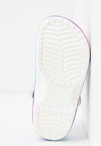 Crocs - Sandalias planas - white/purple - 6