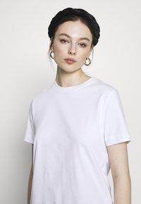 Samsøe Samsøe - CAMINO - Basic T-shirt - white - 4