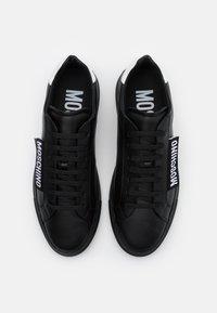 MOSCHINO - Trainers - black - 3