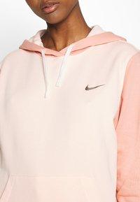 Nike Sportswear - HOODIE - Hoodie - washed coral - 5