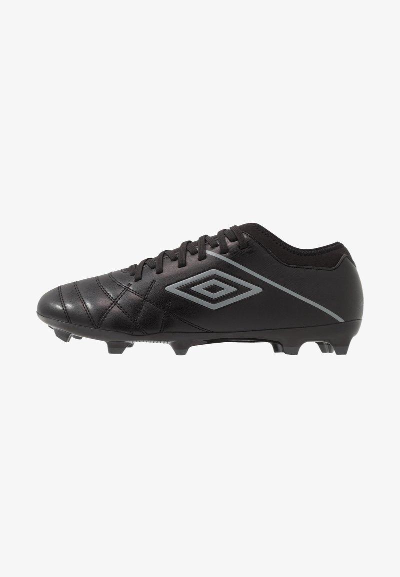 Umbro - MEDUSÆ III CLUB - Scarpe da calcetto con tacchetti - black/carbon