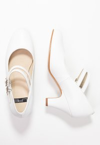 LAB - Classic heels - tibet blanco - 3