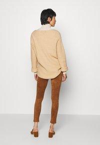 Culture - CUDELIA  - Leggings - Trousers - lion - 2