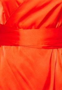Never Fully Dressed Petite - LONGSLEEVE WRAP DRESS - Vapaa-ajan mekko - tangerine - 2