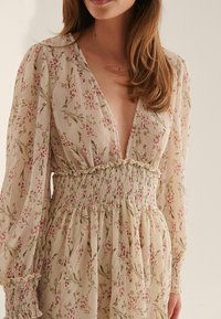NA-KD - Day dress - red flower - 3