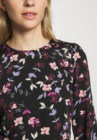 Vero Moda - VMBILLIE SHORT DRESS - Kjole - black/billie - 5