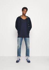s.Oliver - LANGARM - Zip-up sweatshirt - dark blue - 1