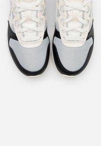 ASICS SportStyle - LYTE CLASSIC - Sneakers - metropolis/cream - 5