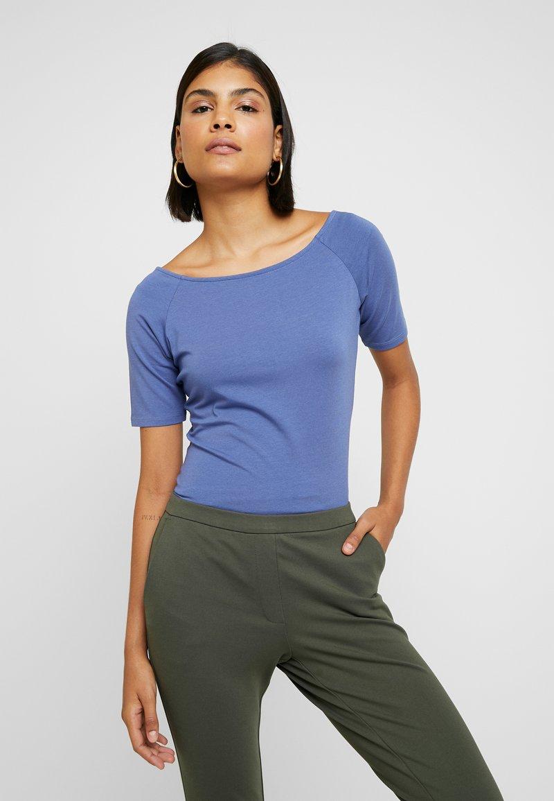 Modström - TANSY  - Basic T-shirt - blue horizon