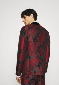 Twisted Tailor - LORRIS SUIT - Oblek - black/red - 3