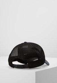 The North Face - LOGO TRUCKER UNISEX - Kšiltovka - asphalt grey/black - 2