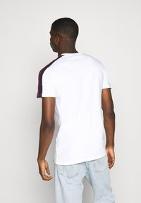 Ellesse - CARCANO - T-shirt med print - white - 2