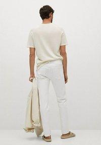 Mango - JAN - Slim fit jeans - blanco - 2