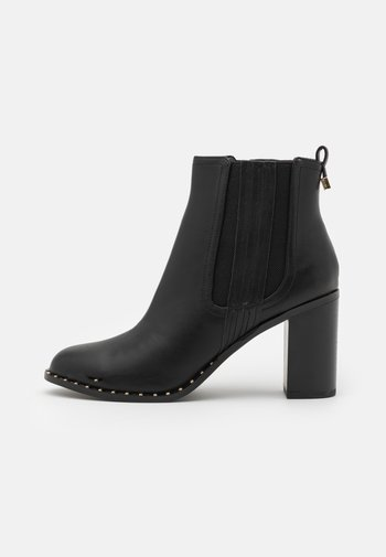 BARE CASUAL HEELED CHELSEA