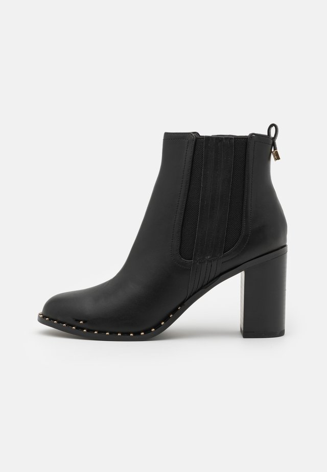 BARE CASUAL HEELED CHELSEA - Bottines à talons hauts - black