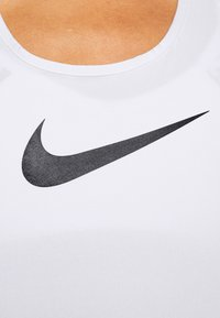 Nike Performance - DRY BALANCE - T-shirt sportiva - white/black - 3
