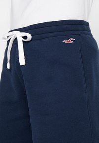 Hollister Co. - FIT - Pantalon de survêtement - navy - 3