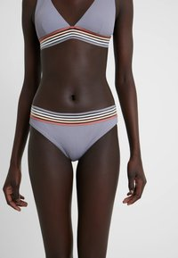 Rip Curl - BOSTON ROAD CHEEKY PANT - Bikini bottoms - bluestone - 0
