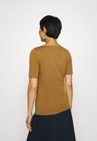 Marc O'Polo - SHORT SLEEVE ROUNDNECK - Basic T-shirt - deep tobacco - 2