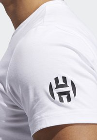 adidas Performance - HARDEN SWAGGER ART GRAPHIC T-SHIRT - Print T-shirt - white - 4