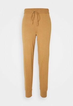 VMMURI PANTS  - Tracksuit bottoms - tobacco brown