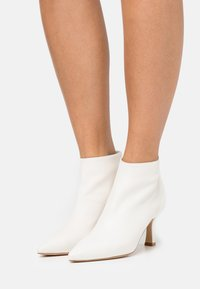 Bianca Di - Ankle boots - offwhite - 0