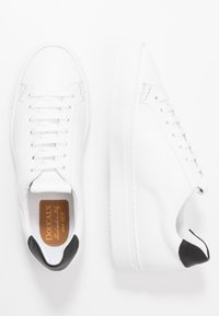 Doucal's - Sneakers basse - argan nero/bianco