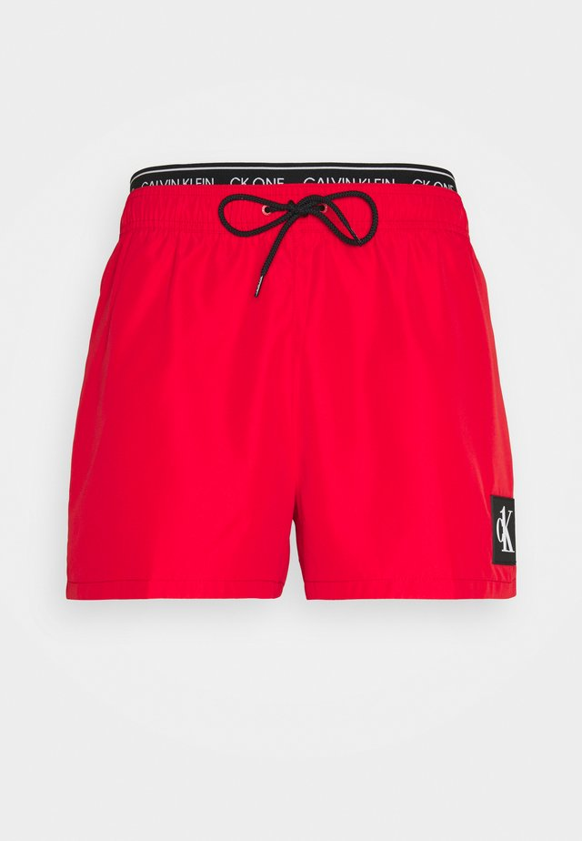 SHORT DOUBLE - Uimashortsit - fierce red