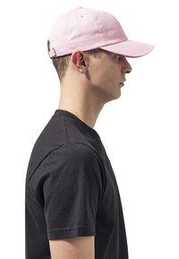 Flexfit - LOW PROFILE - Cap - pink - 3