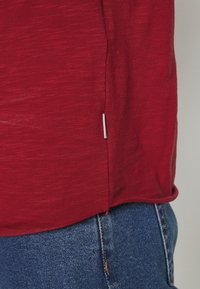 Jack & Jones - JJEBAS TEE - Basic T-shirt - rio red - 4