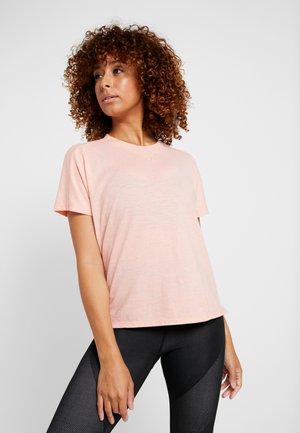 ID WINN ATTEE - T-shirt print - glow pink