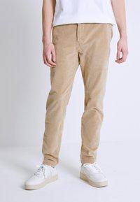 Levi's® - STD II - Kalhoty - sand/beige - 0