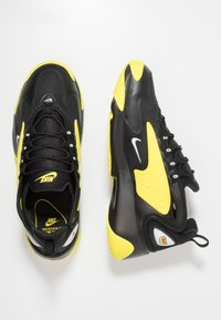Nike Sportswear - ZOOM  - Sneakers - black/white/dynamic yellow - 2