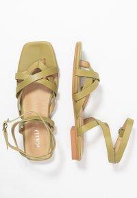 RAID - EZRA - Sandály s odděleným palcem - sage green - 3