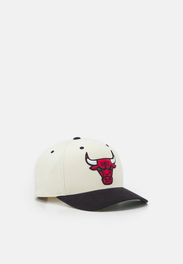 NBA CHICAGO BULLS PRO CROWN - Klubtrøjer - white/black