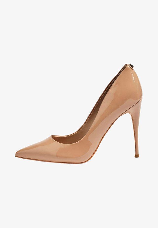 OKLEY - Zapatos altos - beige