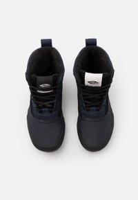 Vans - STANDARD MID MTE UNISEX - High-top trainers - blue/black - 3