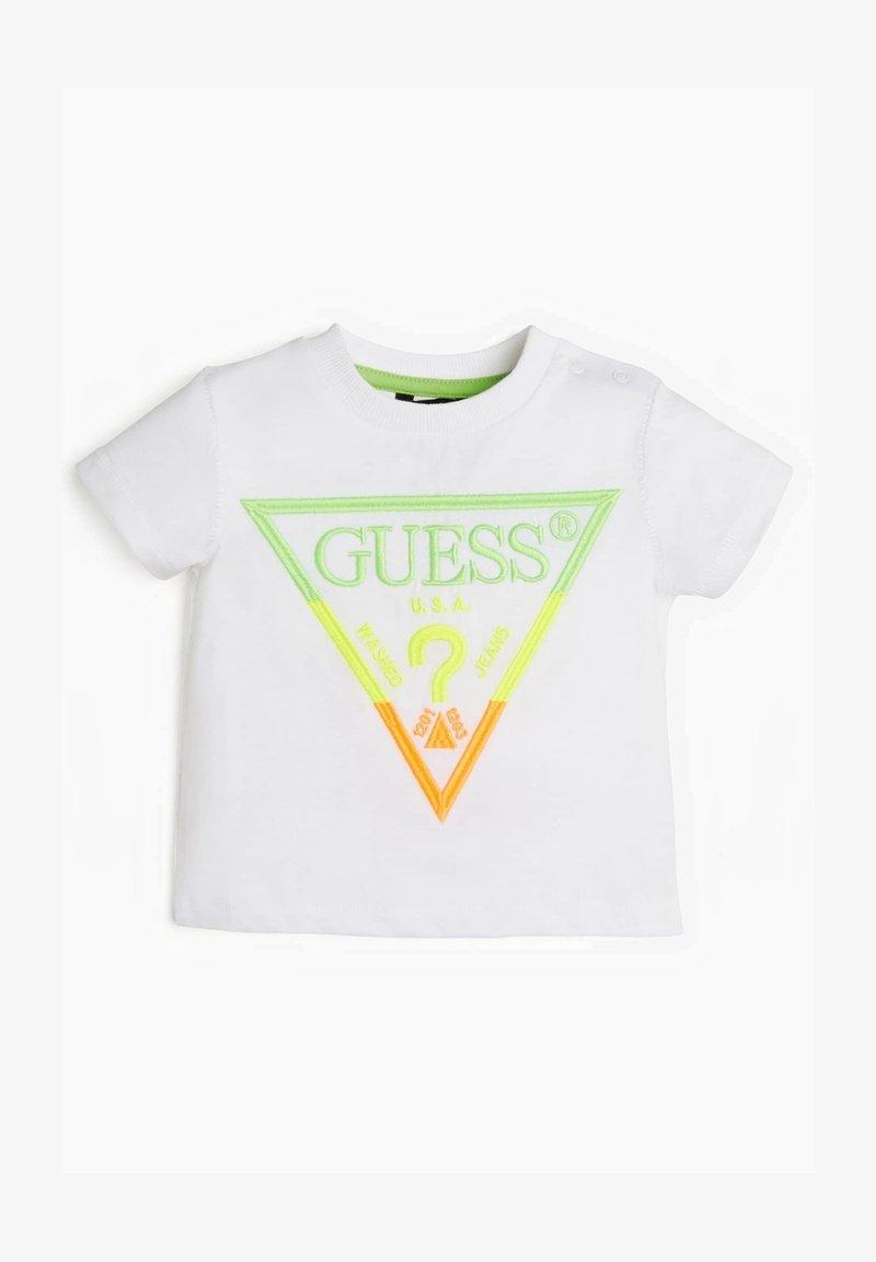Guess - LOGO STICKEREI - Camiseta estampada - weiß
