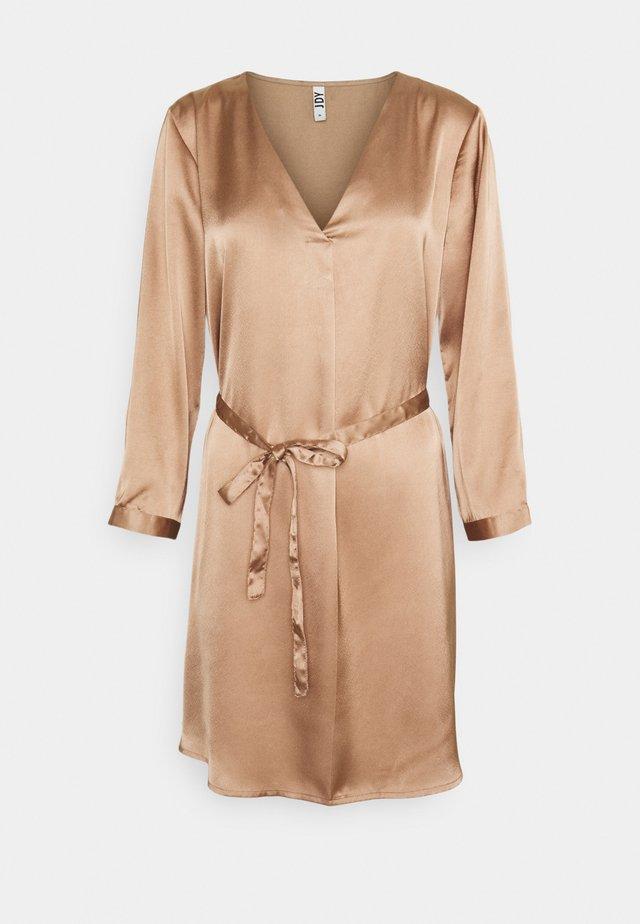 JDYFIFI SHORT DRESS - Hverdagskjoler - chanterelle