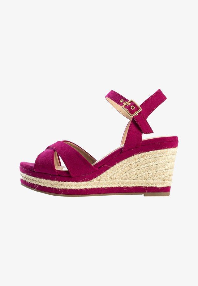 CHELSEY - Sandalen met sleehak - purple