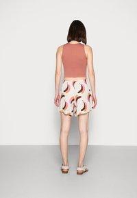Carin Wester - KOLOA - Shorts - multi-coloured - 2