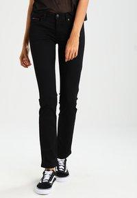 Tommy Jeans - SANDY  - Straight leg jeans - dana black - 2