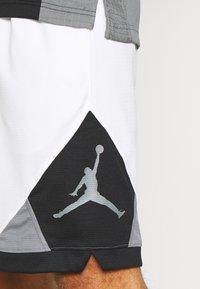 Jordan - DRY AIR DIAMOND SHORT - Sports shorts - white/black/smoke grey - 3